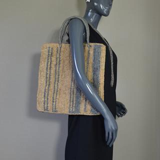 L'Atelier du Crochet Sac Cabas Vertiga Gris porté