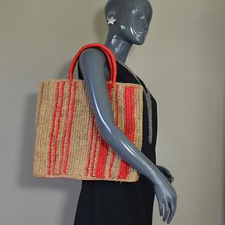 L'Atelier du Crochet Sac Cabas Vertiga Rouge porté
