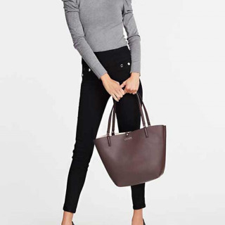 Guess Aldy Sac Shopping et Pochette Reversible 2 en 1 Mocha